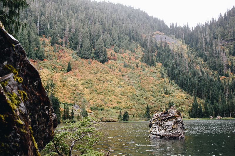 Hiking Heather Lake in WA